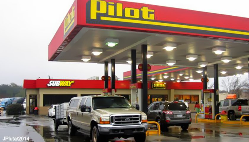 Mastermind Of Pilot Flying J Rebate Scam And Three Others Sign Plea Agreements
