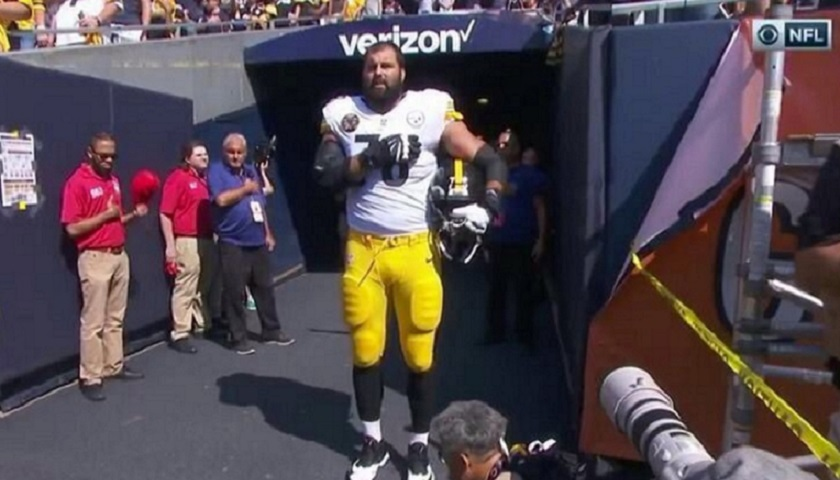 4eb0902c4e8 Real Courage  Only One Pittsburgh Steeler Stood for National Anthem Sunday