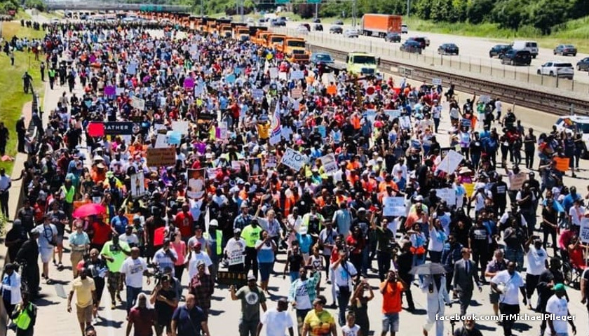 Shut Down the Dan Ryan protest