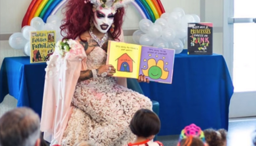 Drag Queen Reading Hour