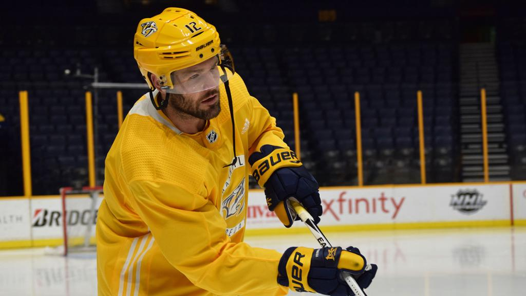 reputable site d12f5 d099c Mike Fisher Coming Out of Retirement to Rejoin the Nashville ...