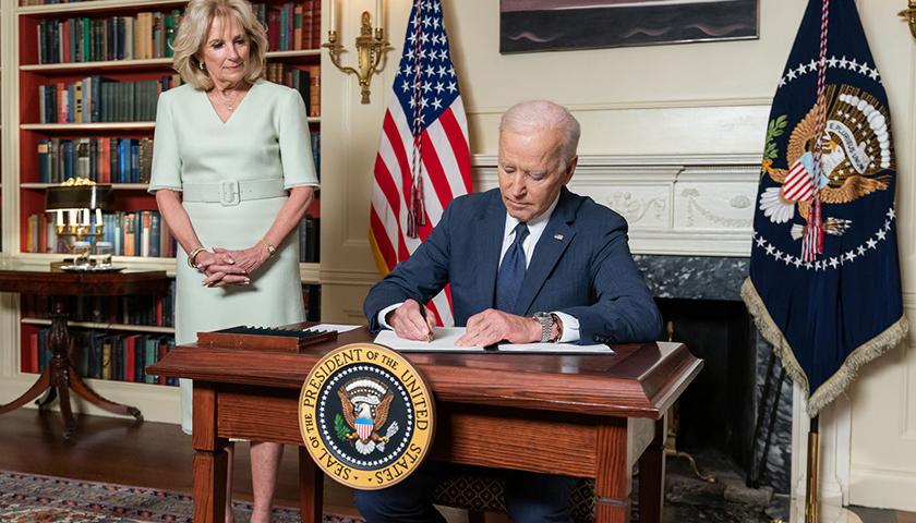 Joe Biden signing order